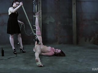 Flushing and groaning nonstop bitch gets her pussy treated with vibe