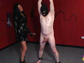 Foxy mature Jess Scotland with respect to latex drops on the brush knees to give head