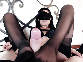 Lady Marilyn rewards her slave with reference to a footjob and blowjob