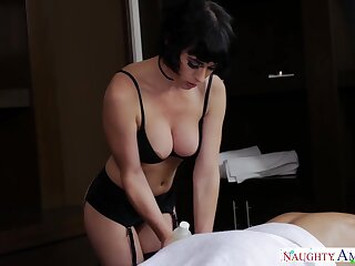 Petite masseuse with D-cup boobies Olive Glass gives a blowjob before sex