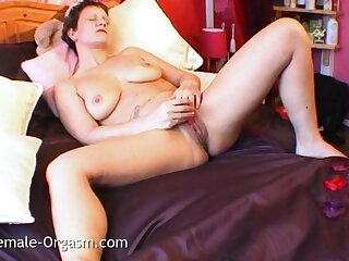 Sex-crazed MILF Cannot Stop Masturbating With an increment of Has Multiple Orgasms